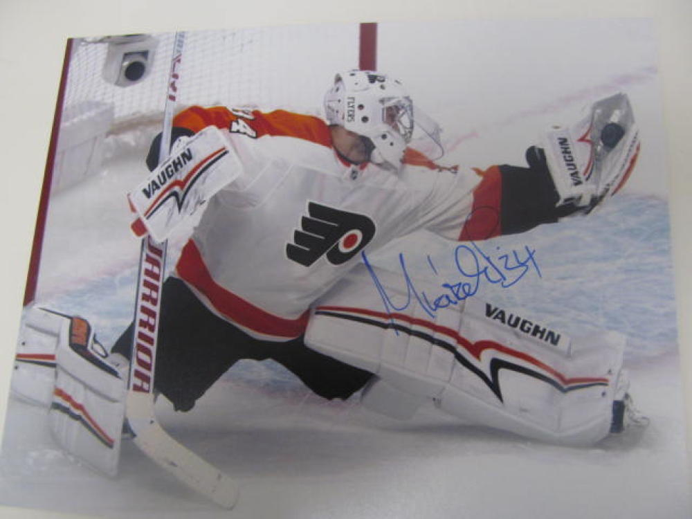 Petr Mrazek Philadelphia Flyers Signed 8x10  Photo COA 2