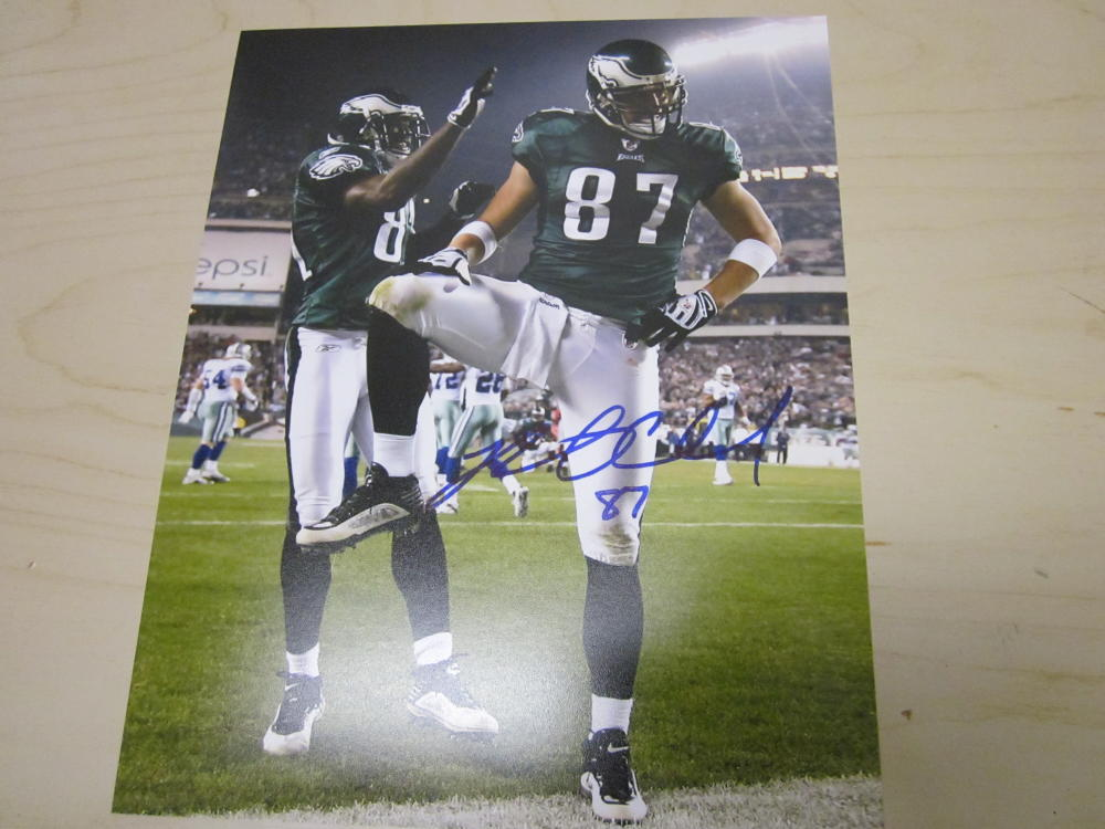 Brent Celek Philadelphia Eagles Signed  8x10  Photo COA Captain Morgan