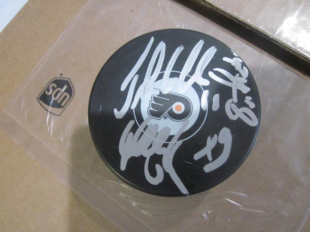 Philadelphia Flyers Signed Legion of Doom Logo Puck COA RARE Lindros/Leclair/Renberg