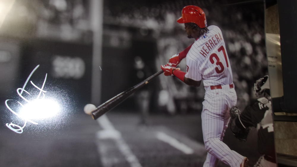 Odubel Herrera Philadelphia Phillies Signed 16x20 Photo COA