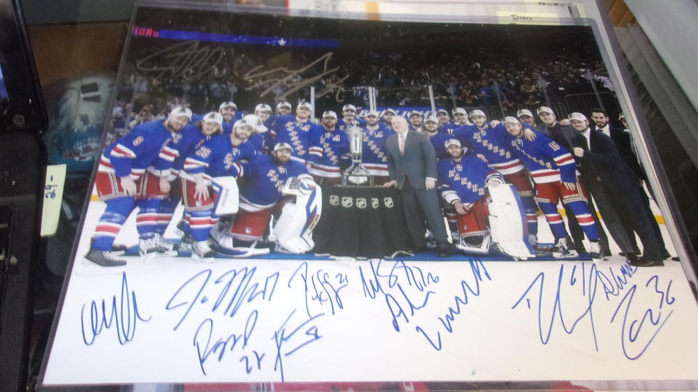 2014/15 New York Rangers Team Signed 11x14 Photo COA