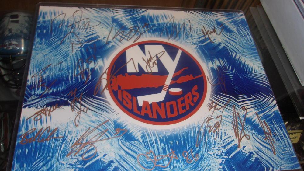 2015/16 New York Islanders Team Signed 11x14 Photo COA