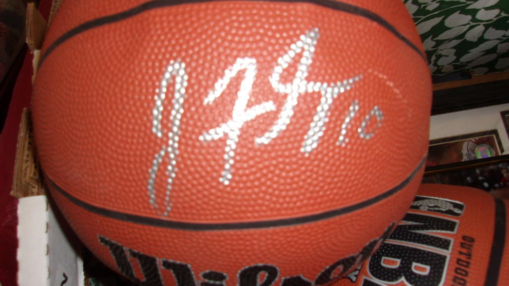 Johnny Flynn Minnesota Timberwolves Signed FS Basketball COA