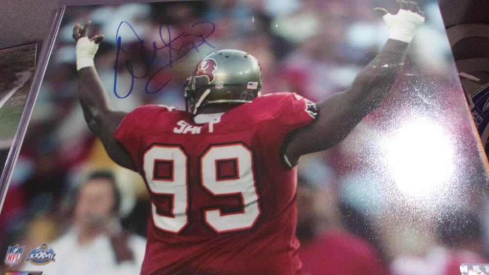 Warren Sapp Tampa Bay Buccaneers signed 11x14 photo COA