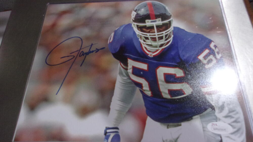 Lawerence Taylor New York Giants signed 8x10 photo COA