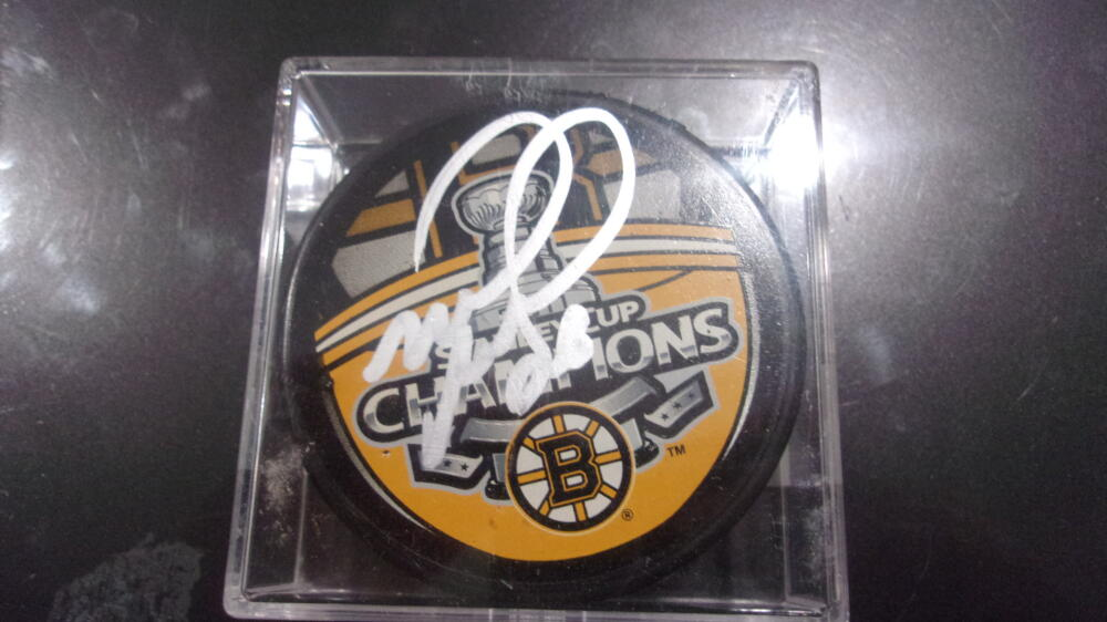 Mark Reechi Boston Bruins  Signed 2011 Stanley Cup Champs  Puck COA