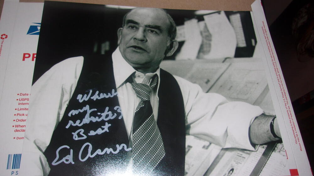 Ed Asner Actor Signed 8x10 Photo Inscription COA