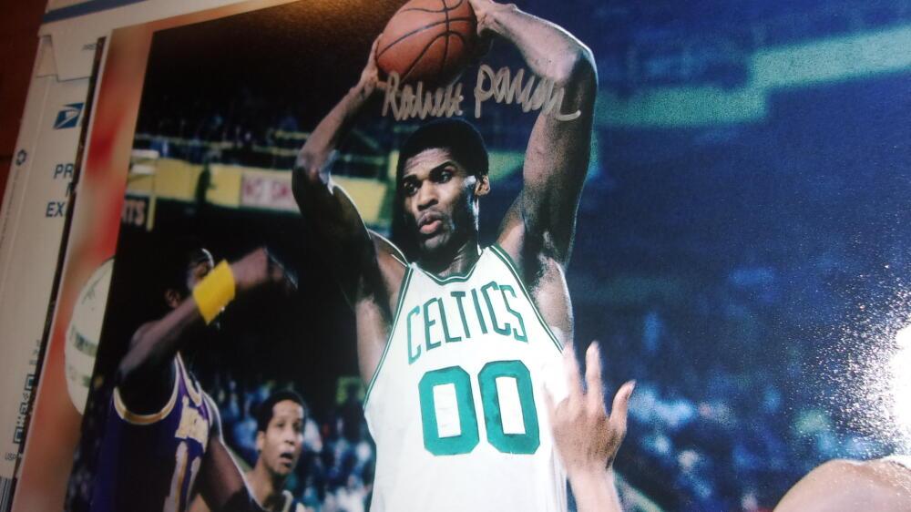 Robert Parish Boston Celtics Signed 8x10 Photo COA