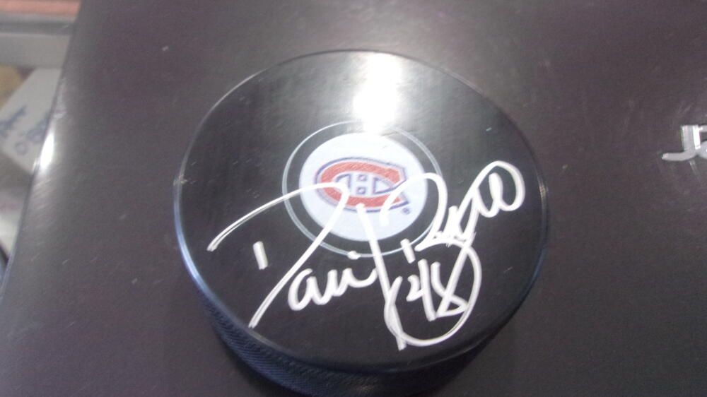 Daniel Briere Montreal Canadiens signed Logo Puck COA