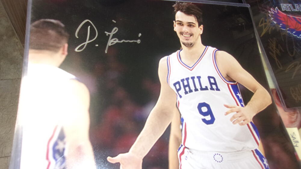 Dario Saric Philadelphia 76ers signed 11x14 Photo COA