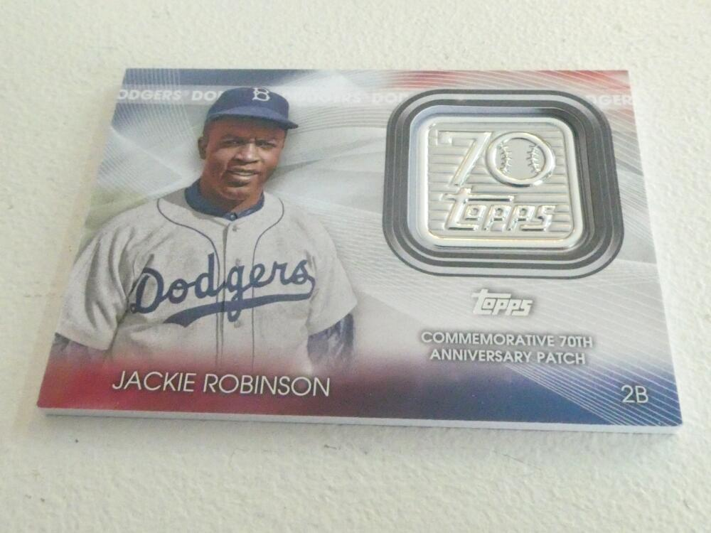Jackie Robinson Dodgers 2021 Topps 70th Medallion  Card MInt