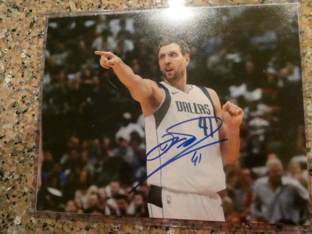 Dirk Nowitzki Dallas Mavericks Signed 8x10 Photo COA