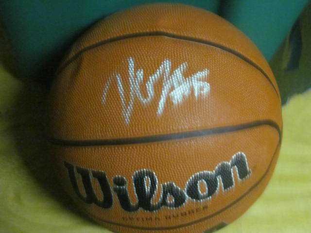 Demarcus Cousins Sacramento Kings  signed FS Basketball COA